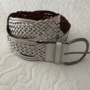 Ladies wide weave belt, silver buckle, size Large